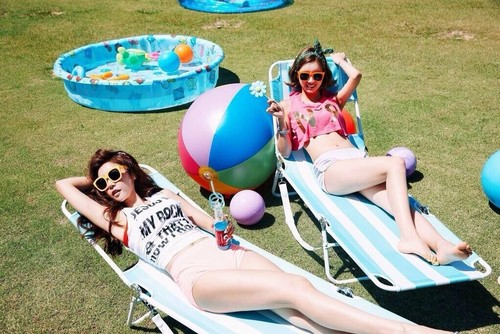Girl's Day wallpaper entitled Girl's Day Sojin and Hyeri – Darling Teaser