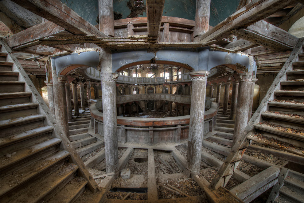 Haunting And Beautiful Abandoned Buildings Anj S Angels