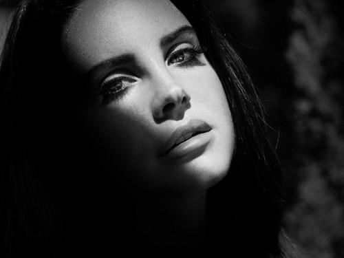 Lana Del Rey karatasi la kupamba ukuta probably with a portrait titled Lana Del Rey