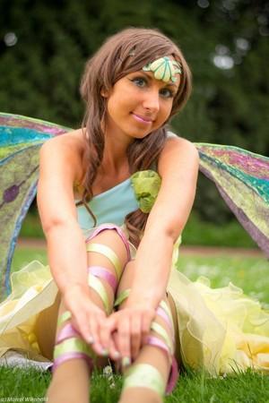 Layla Harmonix Cosplay