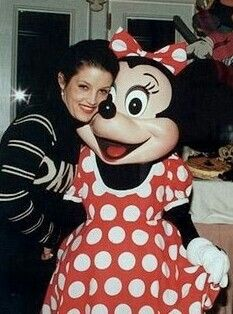 Lisa Marie Presley And Minnie マウス Back In 1994