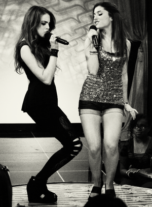 Liz and Ariana <3