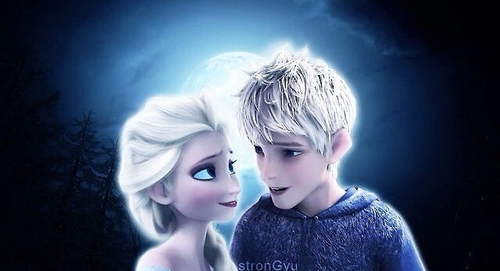 Elsa & Jack Frost wallpaper titled Love Under The Moon