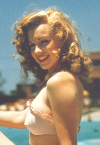 Marilyn Monroe wallpaper possibly with a bikini, attractiveness, and skin called Marilyn Before She Was Famous
