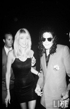 Michael With A অনুরাগী