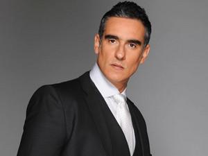 Miguel Varoni Elegante y classy
