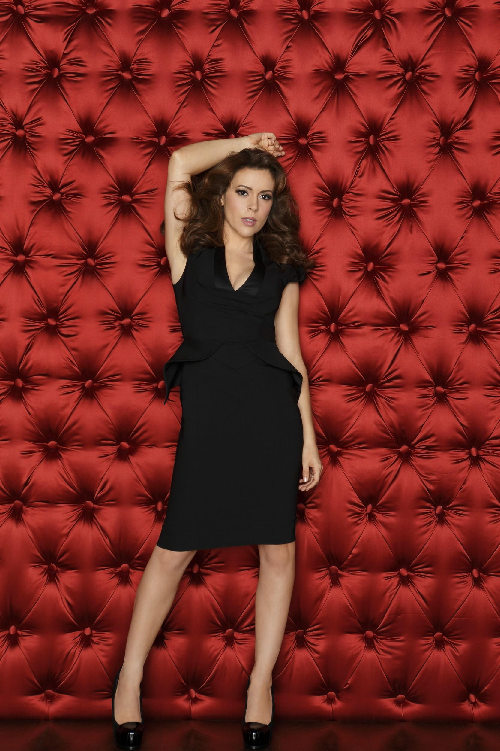 Alyssa Milano etcMistresses S01 - 2013 HD 720