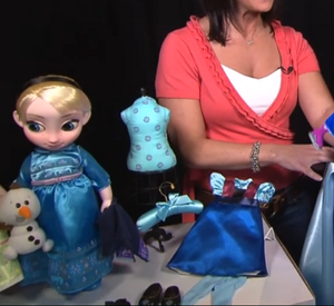 New Anna and Elsa toddler búp bê from the Disney Store