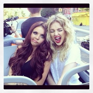 New picture of Perrie and Jesy