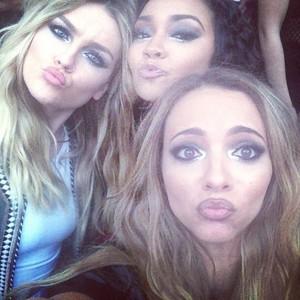 New selfie of the girls