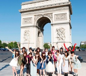 Nogizaka46 in Paris