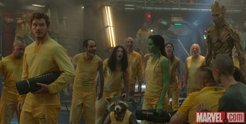 Guardians of the Galaxy 바탕화면 possibly containing a 거리 titled Peter Quill, Rocket,Gamora,Groot