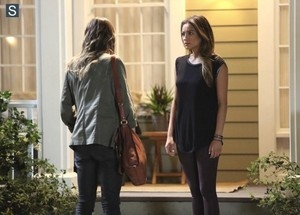 """Pretty Little Liars 5.04 """"Thrown From the Ride"""" - promotional photos"""