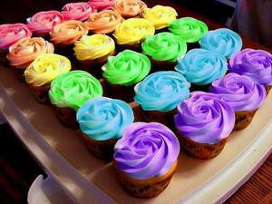 قوس قزح Rose-Cupcakes