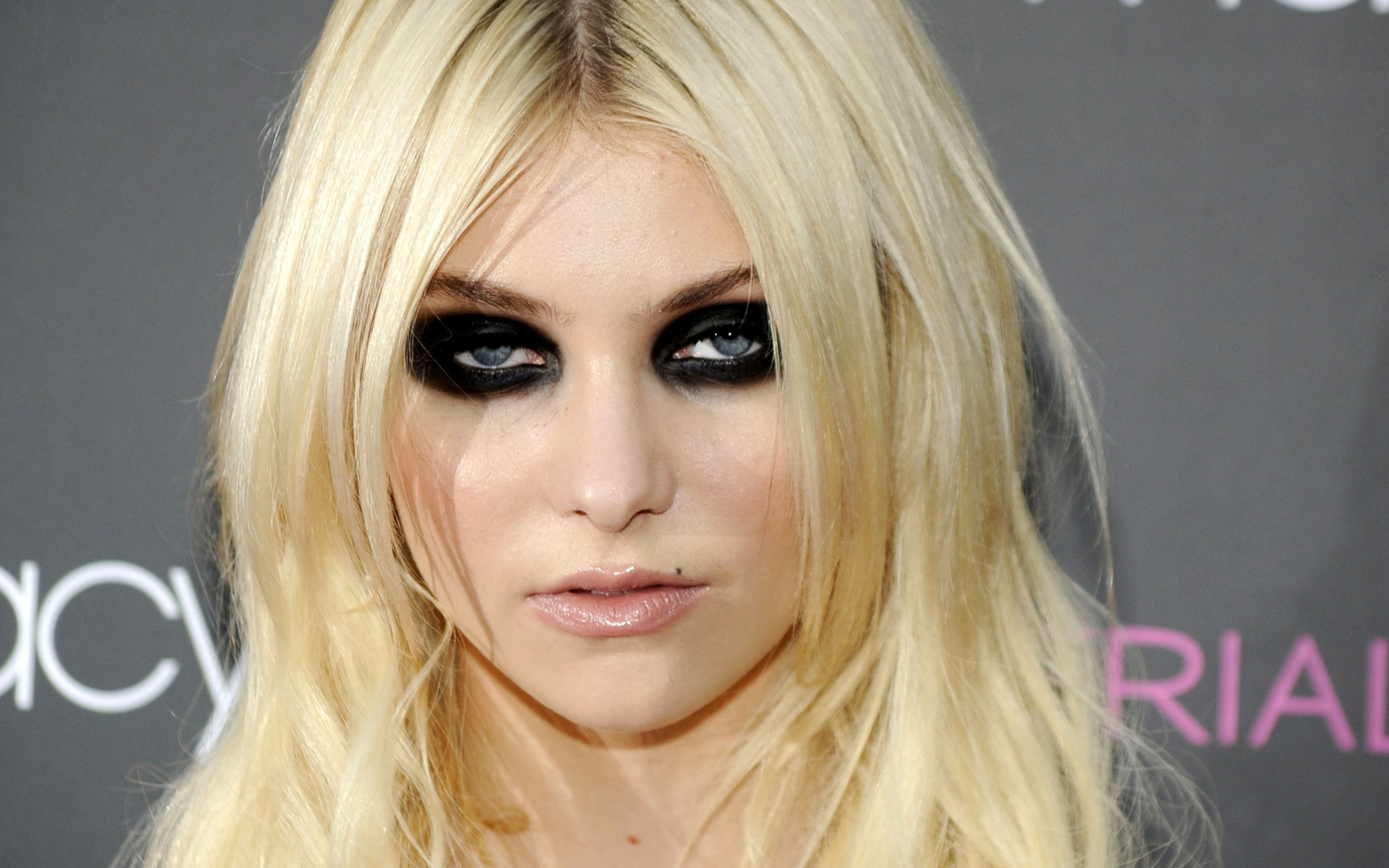 Taylor Momsen images Taylor Momsen HD wallpaper and background photos ...