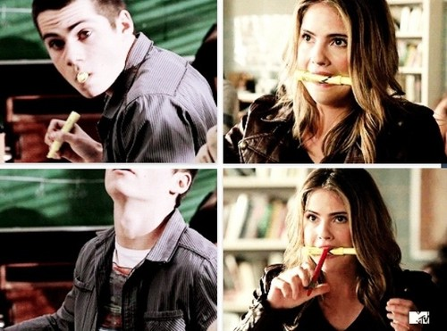 Malia Tate achtergrond probably containing a flute called They are cute 💕