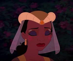 Tiana's pearl look