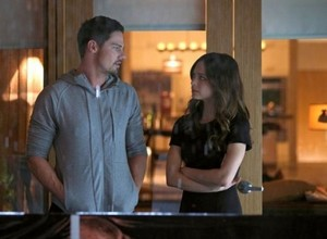 Vincent and Cat-Promo pic 2x21