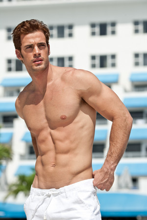 William Levy shirtless sin camisa, six pack abs
