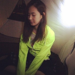 Yuri 140614 Instagram Update: 🍒🙈💯
