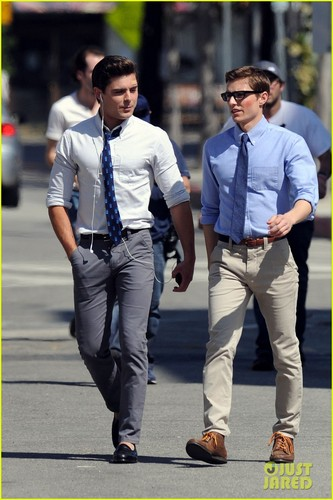Dave Franco 壁紙 with a business suit called Zac Efron and Dave Franco