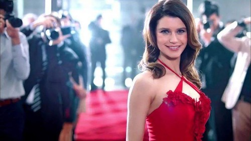 Turkish Actors and Actresses wallpaper titled beren saat