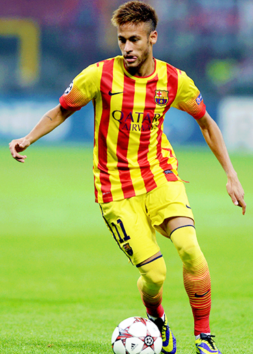 neymar playing football <3