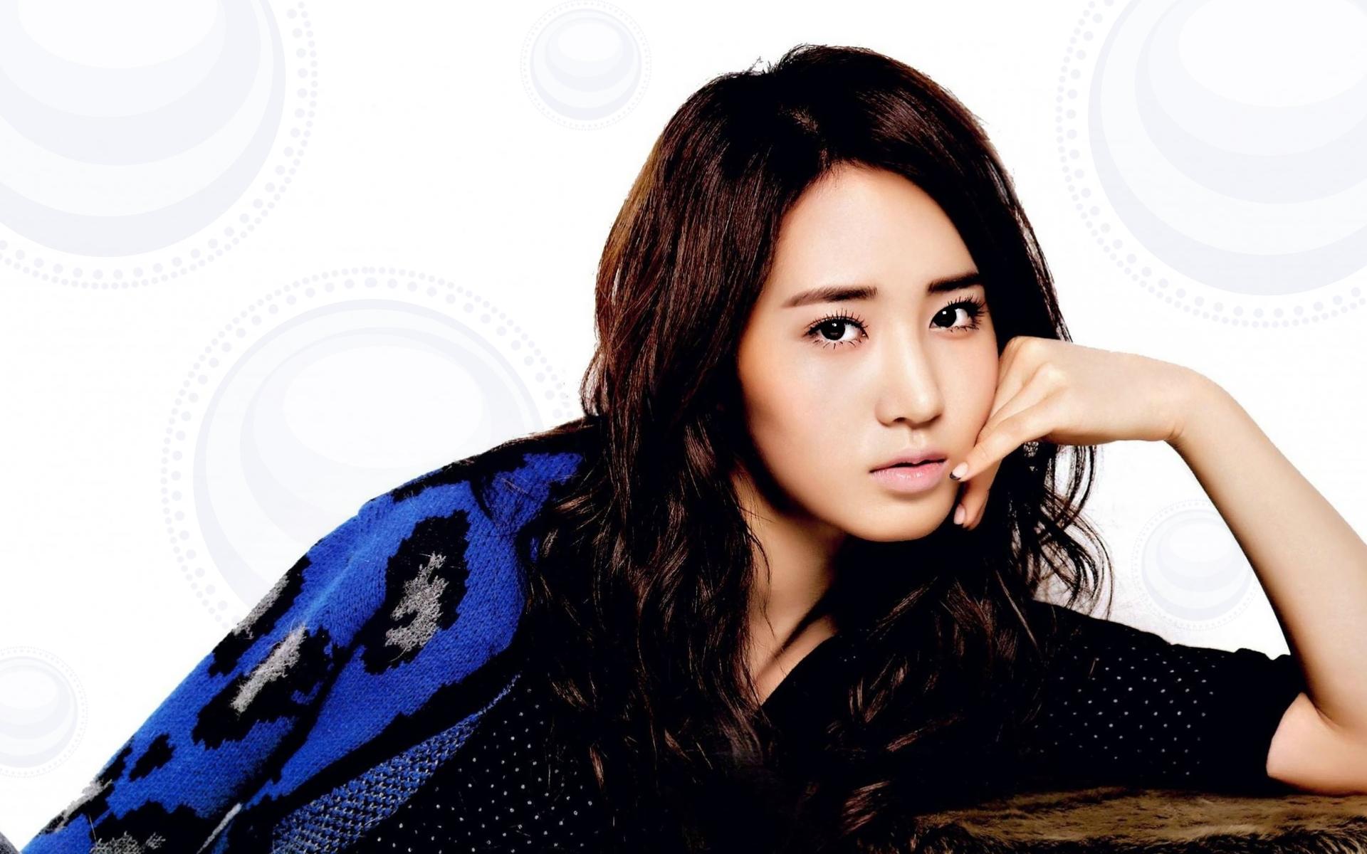Yuri kwon snsd red shorts cum tribute 8
