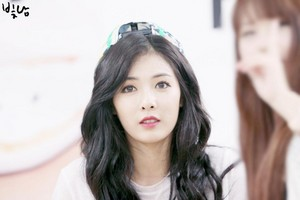 140801 HyunA @ 1st Fansign in Lotte Mall