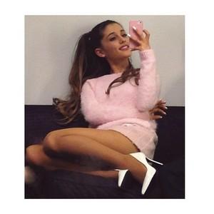 Ariana < 33