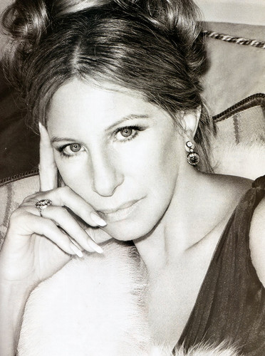 Barbra Streisand 바탕화면 containing a 모피 코트 entitled Barbra Streisand