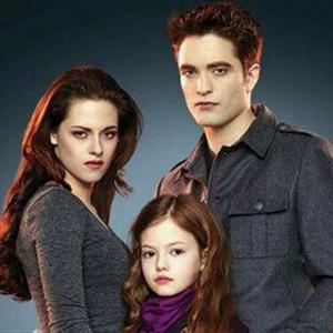 Bella, Renesmee and Edward