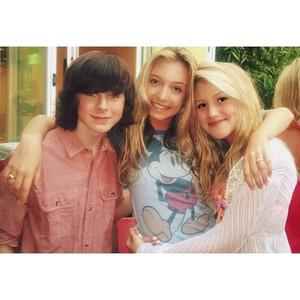 Chandler with Hana and Brooke <3