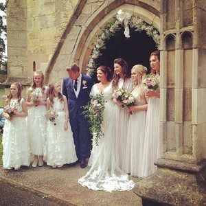 Dan, Johannah and her bridesmaids☀