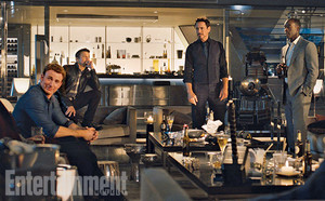 EIGHT OFFICIAL Fotos of Avengers: Age Of Ultron