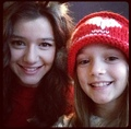 Eleanor and one of Louis's sisters ❤