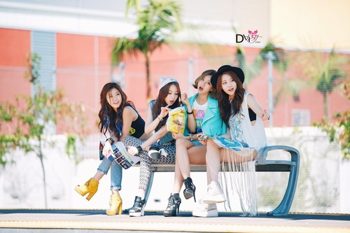 Girl's Day wallpaper titled Girl's Day – Darling