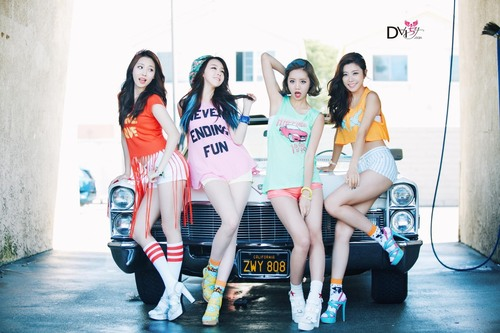 Girl's Day wallpaper probably containing a swimsuit titled Girl's Day – Darling