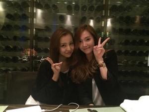 Jessica with AKB48 Itano Tomomi