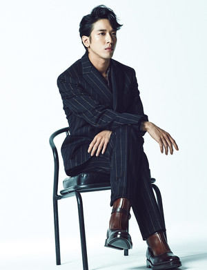 Jung Yonghwa For Esquire Korea's August 2014 Issue