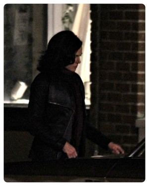 Lana Parrilla on set