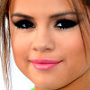 Selena Gomez foto containing a portrait entitled Selena ikon
