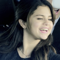 Selena Icons ♡♡