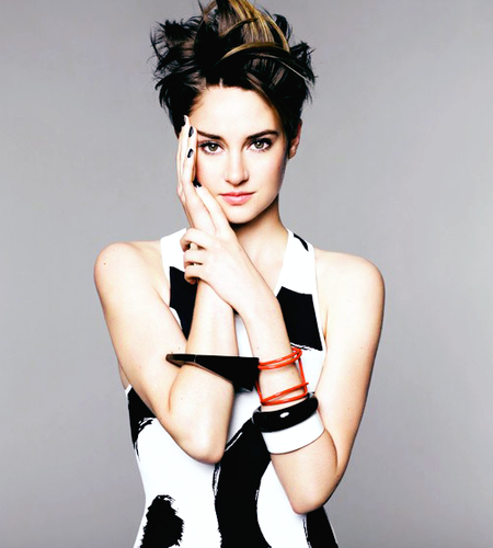 Shailene Woodley wallpaper possibly with hosiery, tights, and a stocking entitled Shai photoshoot