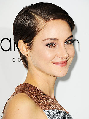 Shailene Woodley wallpaper probably containing a portrait titled Shailene Woodley