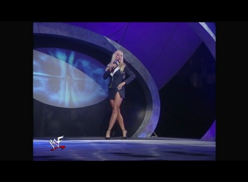 Бывшая дива WWE... Дебра Обои entitled Smackdown! 10.13.99