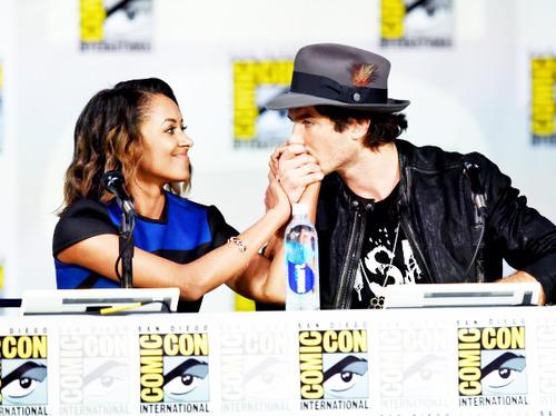 Somergraham kiss!hand ...