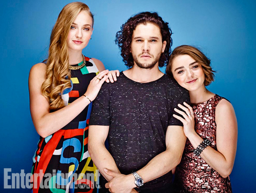 Game of Thrones پیپر وال probably containing tights, a leotard, and a playsuit, پلایساٹ called Sophie Turner, Kit Harington and Maisie Williams
