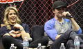 Stephen Amell and Emily Bett Rickards at the ऐरो panel at Walker Stalker Con, March 16th, 2014.