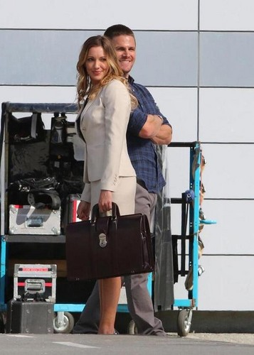 Oliver & laurel karatasi la kupamba ukuta possibly with a hip boot and a dumbbell entitled Stephen and Katie-BTS season 3